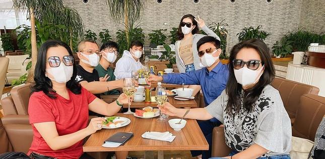 Dàn Hoa-Á hậu nêu cao cảnh giác, chia sẻ cách phòng chống dịch virus corona ảnh 8