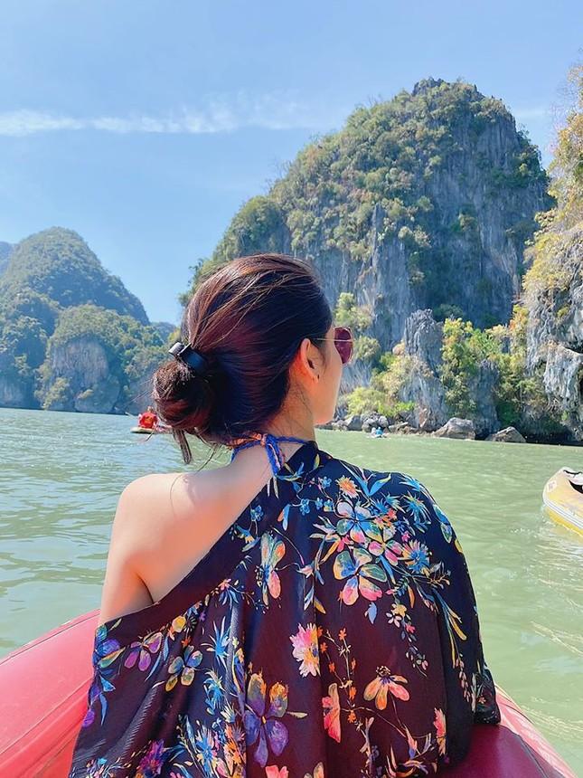 Minh Tú mặc bikini nóng bỏng, tiếp tục 'thả thính' cực mạnh dịp đầu năm mới ảnh 8