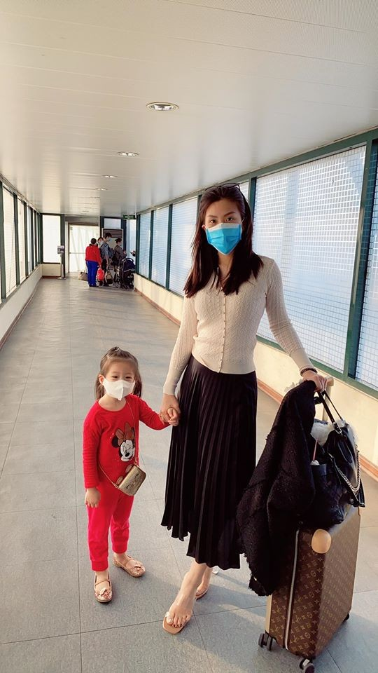 Dàn Hoa-Á hậu nêu cao cảnh giác, chia sẻ cách phòng chống dịch virus corona ảnh 4