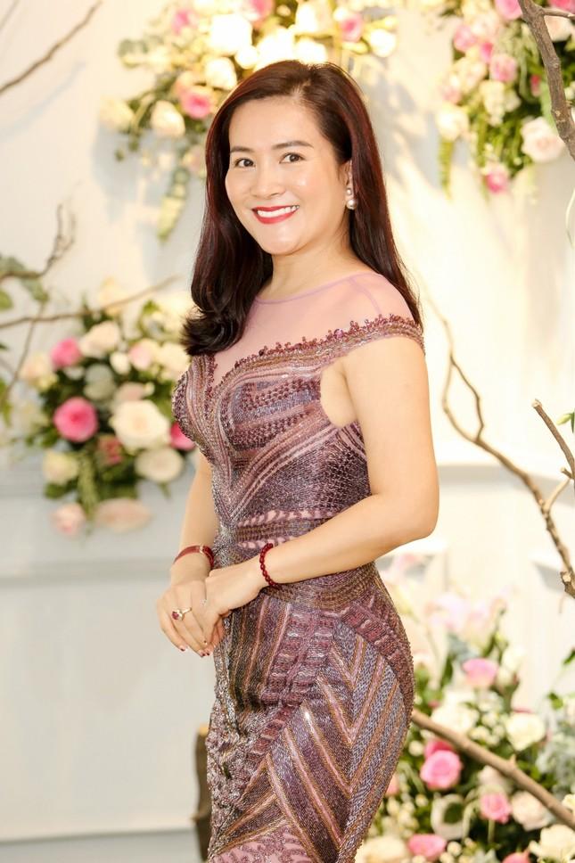 Hoa hậu Giáng My, em gái Lý Hùng đọ dáng gợi cảm với váy xuyên thấu ảnh 8