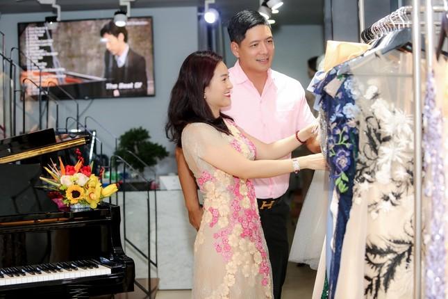 Hoa hậu Giáng My, em gái Lý Hùng đọ dáng gợi cảm với váy xuyên thấu ảnh 7