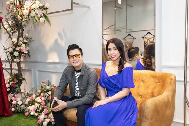 Hoa hậu Giáng My, em gái Lý Hùng đọ dáng gợi cảm với váy xuyên thấu ảnh 10