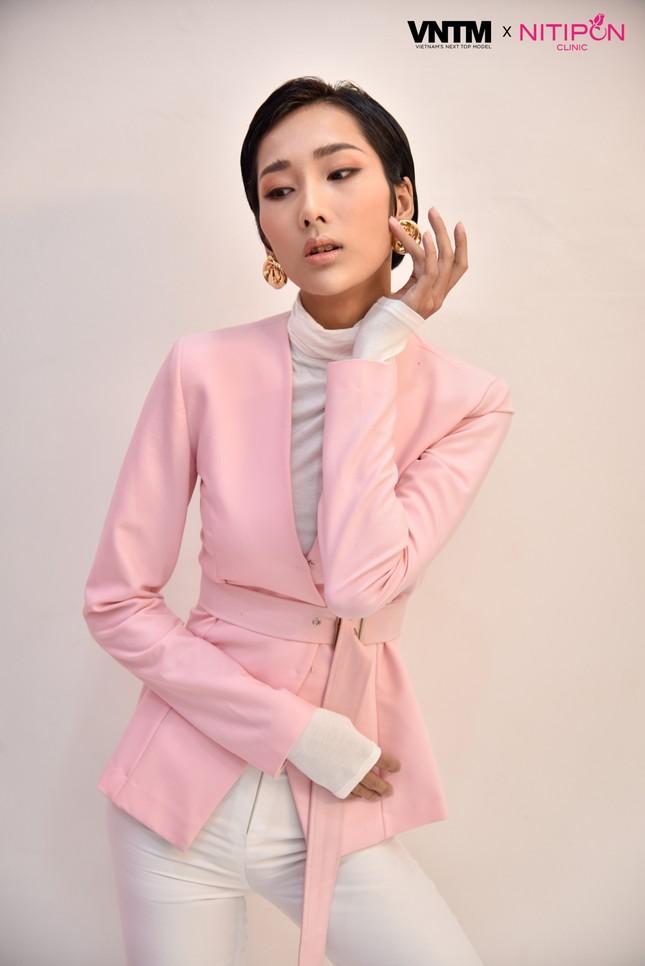 'Bản sao' của Hoàng Thuỳ lọt top 30 Vietnam's Next Top Model 2020 ảnh 5