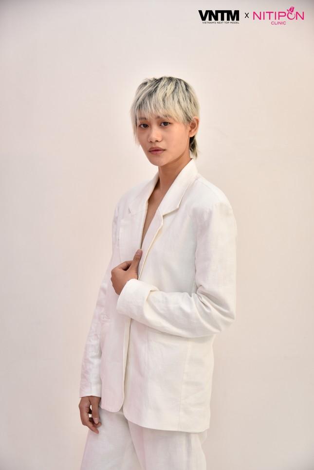 'Bản sao' của Hoàng Thuỳ lọt top 30 Vietnam's Next Top Model 2020 ảnh 9