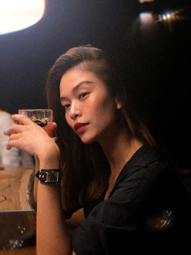 Huyền My nóng bỏng với bikini, Mai Phương Thuý ma mị với kiểu make-up mới ảnh 9