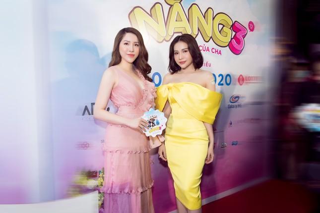 Ngọc Sơn, Kiều Minh Tuấn bảnh bao hội ngộ Hoa hậu Lê Thu Thảo ảnh 2