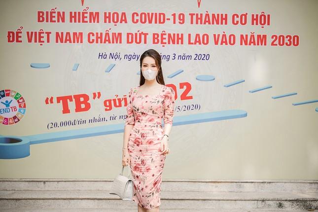 Đeo khẩu trang kín mít dự sự kiện, Á hậu Thuỵ Vân vẫn xinh đẹp đầy cuốn hút ảnh 7