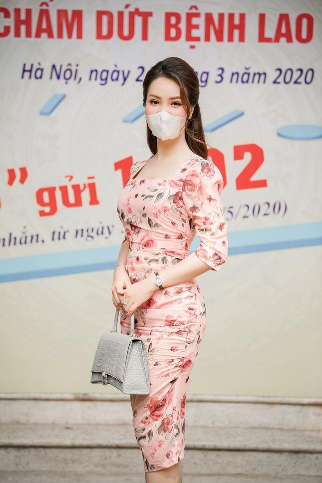 Đeo khẩu trang kín mít dự sự kiện, Á hậu Thuỵ Vân vẫn xinh đẹp đầy cuốn hút ảnh 8