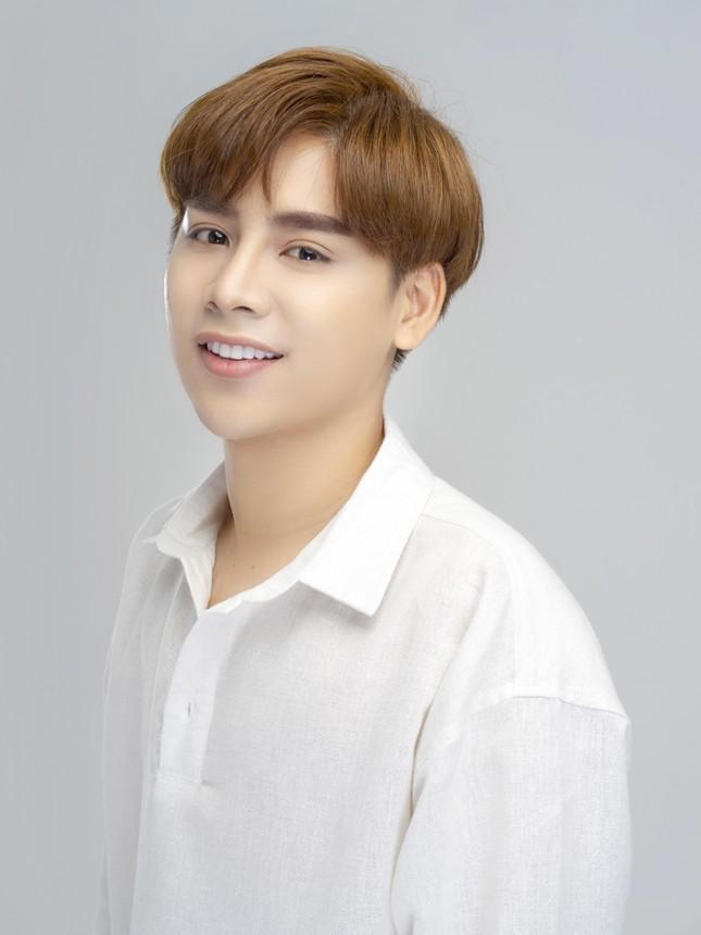 Vẻ điển trai của hotboy Trương Ngọc Sơn - Doanh nhân trẻ trong lĩnh vực Thẩm mỹ ảnh 2