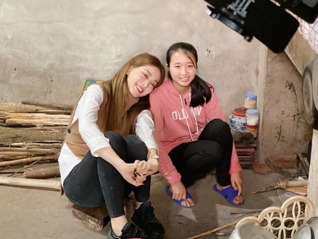 H'Hen Niê khoe nhan sắc em gái xinh đẹp học lớp 11 khiến fans trầm trồ ảnh 8