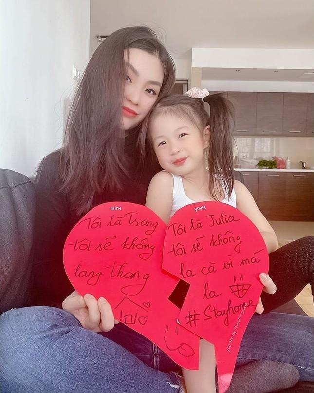 H'Hen Niê khoe nhan sắc em gái xinh đẹp học lớp 11 khiến fans trầm trồ ảnh 10