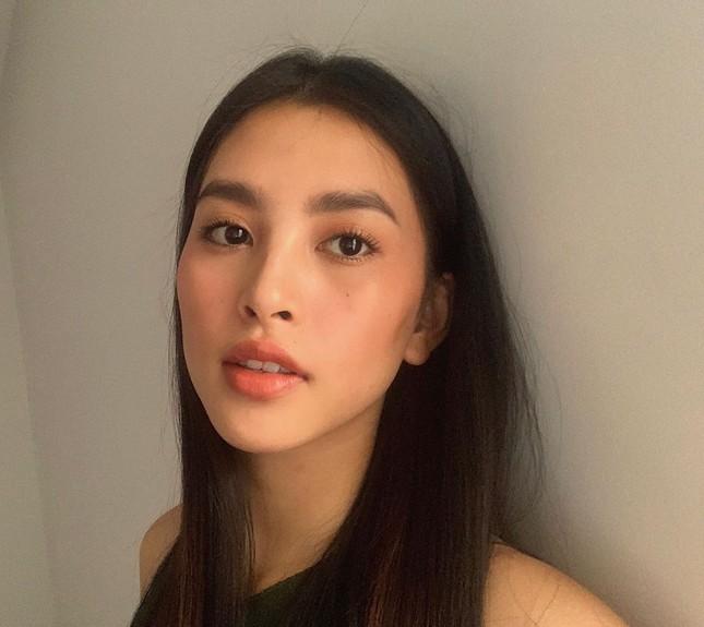 Mặt mộc sao Việt khi cách ly: Tiểu Vy đẹp không tì vết, H'hen Niê giản dị vẫn thần thái ảnh 2