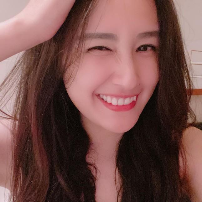 Mặt mộc sao Việt khi cách ly: Tiểu Vy đẹp không tì vết, H'hen Niê giản dị vẫn thần thái ảnh 8