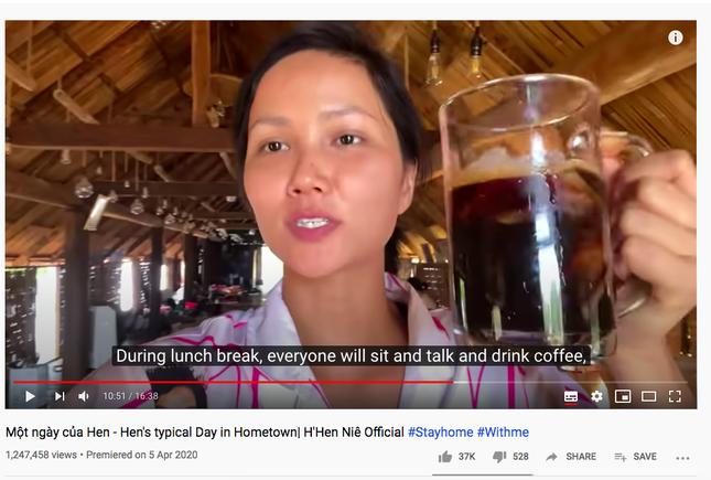 Vừa gia nhập 'Vũ trụ Vlog', H'Hen Niê vào thẳng Top Trending làm các đối thủ phải dè chừng ảnh 1