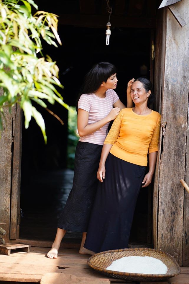 Á hậu Thuý Vân khoe khéo mẹ chồng tương lai trong Ngày của Mẹ ảnh 3
