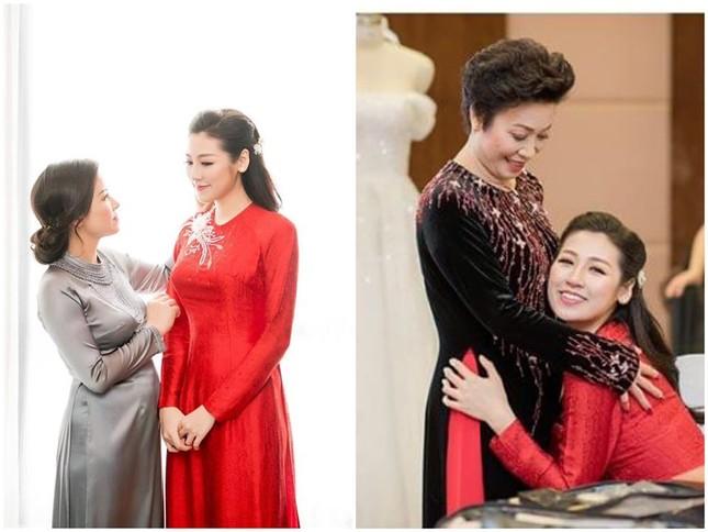 Á hậu Thuý Vân khoe khéo mẹ chồng tương lai trong Ngày của Mẹ ảnh 2