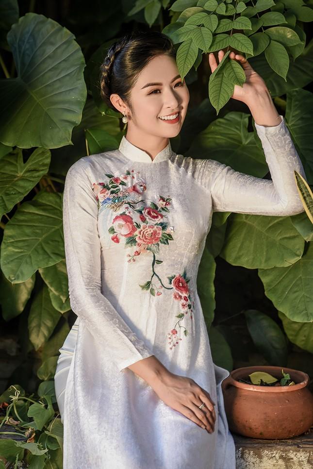 Ngọc Hân bức xúc vì bị shop online đạo thiết kế áo dài, bán giá rẻ ảnh 2