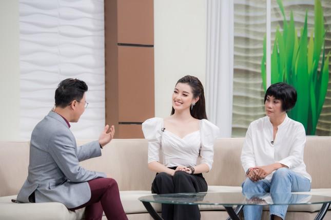 MC Lê Anh cực tình tứ, khen Huyền My 'ăn gì mà đẹp từng milimet' ảnh 6