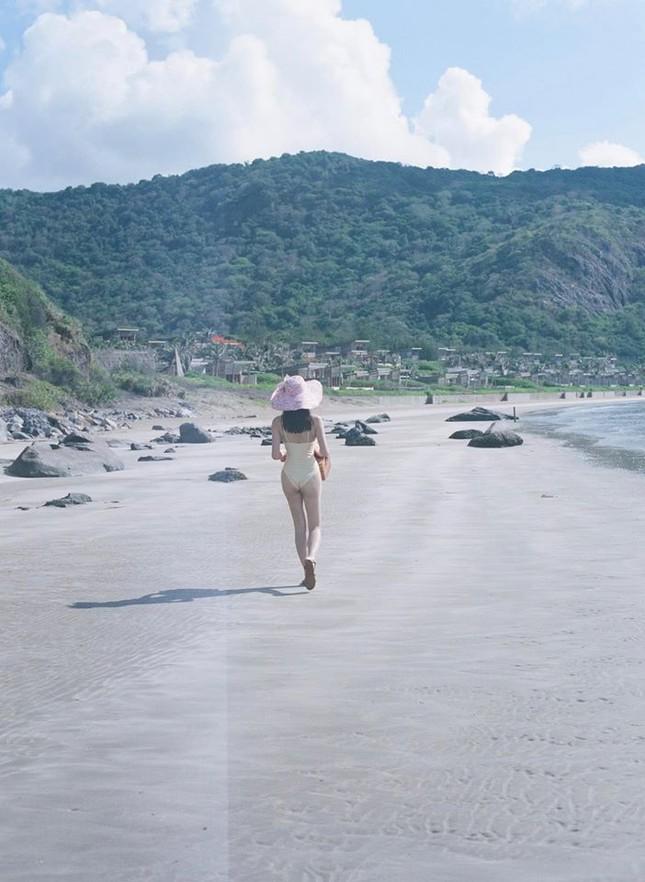 Béo tròn sau thời gian cách ly, vậy mà giờ Lương Thuỳ Linh đã tự tin mặc bikini đầy sexy ảnh 7