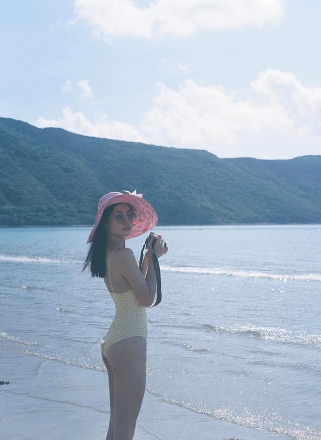 Béo tròn sau thời gian cách ly, vậy mà giờ Lương Thuỳ Linh đã tự tin mặc bikini đầy sexy ảnh 4