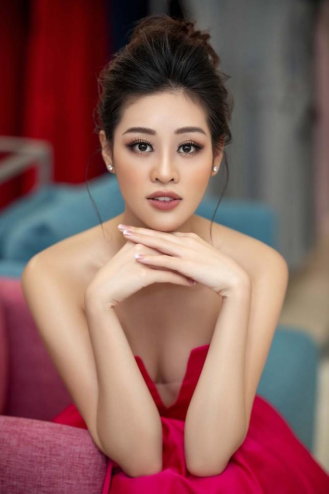 Hoa hậu Khánh Vân tái xuất lộng lẫy sau dịch COVID-19, khoe vòng 1 gợi cảm táo bạo ảnh 5