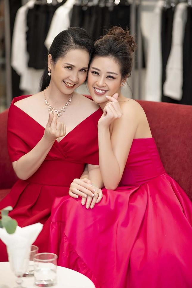 Hoa hậu Khánh Vân tái xuất lộng lẫy sau dịch COVID-19, khoe vòng 1 gợi cảm táo bạo ảnh 8