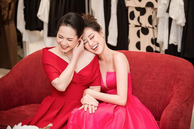Hoa hậu Khánh Vân tái xuất lộng lẫy sau dịch COVID-19, khoe vòng 1 gợi cảm táo bạo ảnh 7