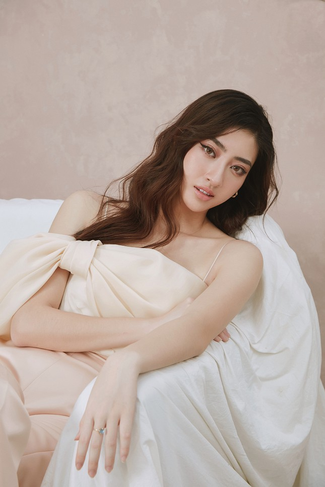 Lương Thuỳ Linh chia sẻ khát vọng tiếp tục đi thi quốc tế, tung bộ ảnh mới cực gợi cảm ảnh 7