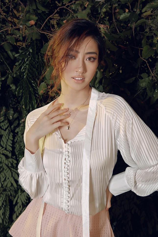 Lương Thuỳ Linh chia sẻ khát vọng tiếp tục đi thi quốc tế, tung bộ ảnh mới cực gợi cảm ảnh 2