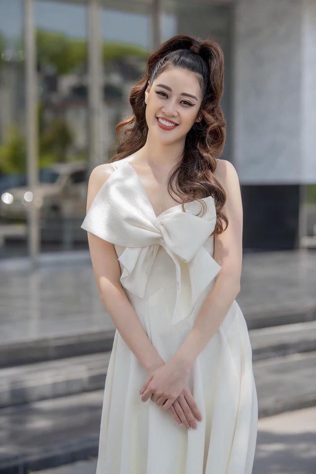 Hoa hậu Thu Thảo hạ sinh con trai, gia đình nhỏ đã 'đủ nếp đủ tẻ' cực hạnh phúc ảnh 5
