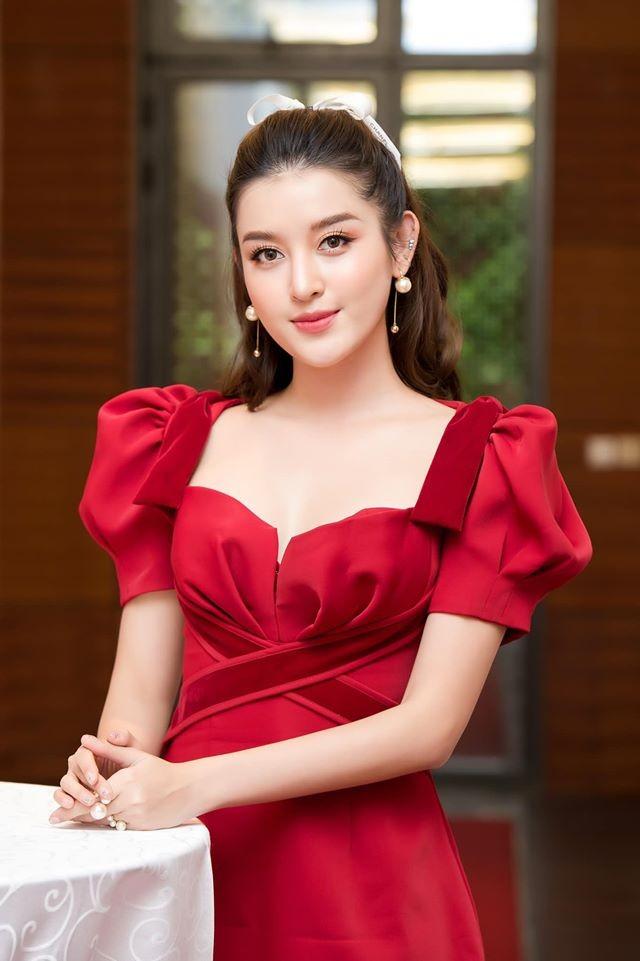 Hoa hậu Mai Phương Thuý mặc bikini khoe dáng nóng bỏng bên hồ bơi ảnh 5