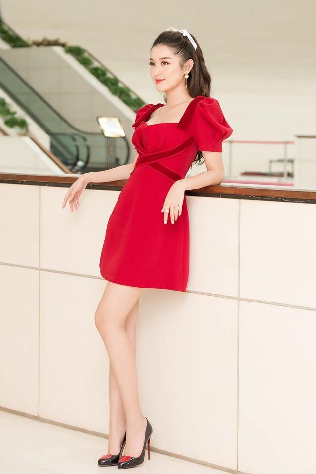 Hoa hậu Mai Phương Thuý mặc bikini khoe dáng nóng bỏng bên hồ bơi ảnh 6