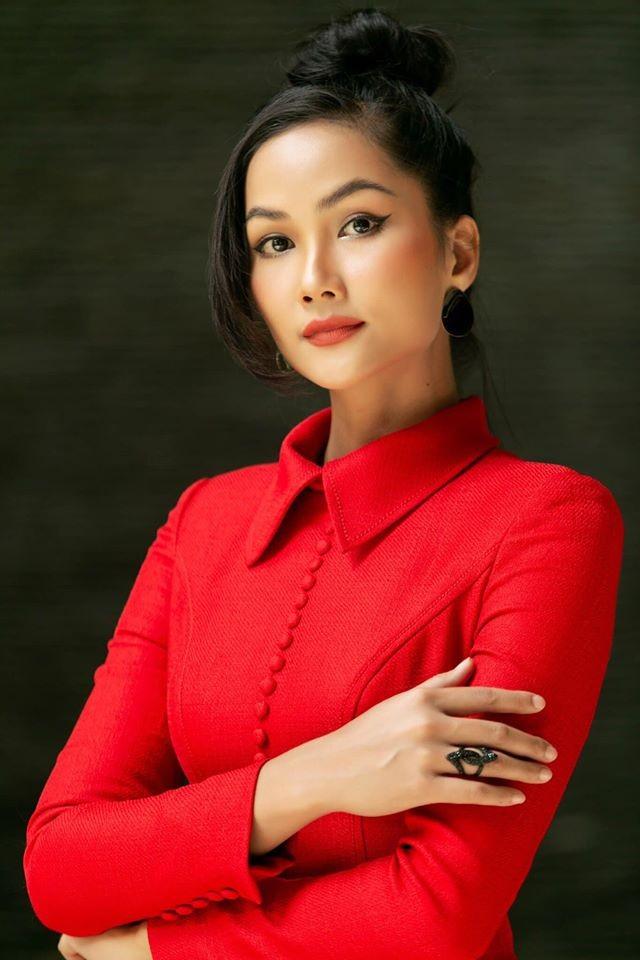 Hoa hậu Mai Phương Thuý mặc bikini khoe dáng nóng bỏng bên hồ bơi ảnh 7