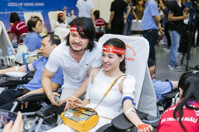 Dàn Hoa - Á hậu khoe sắc tinh khôi với áo trắng, tham gia hiến máu nhân đạo ảnh 15
