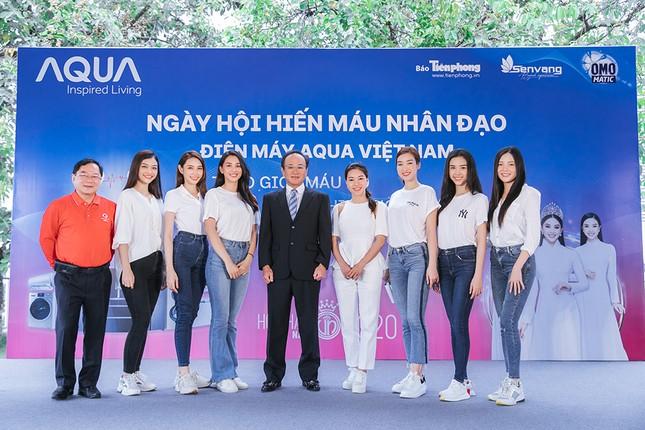 Dàn Hoa - Á hậu khoe sắc tinh khôi với áo trắng, tham gia hiến máu nhân đạo ảnh 1