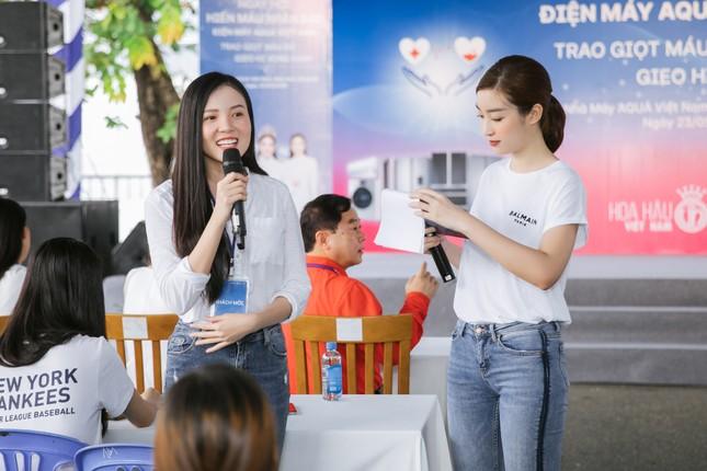 Dàn Hoa - Á hậu khoe sắc tinh khôi với áo trắng, tham gia hiến máu nhân đạo ảnh 11