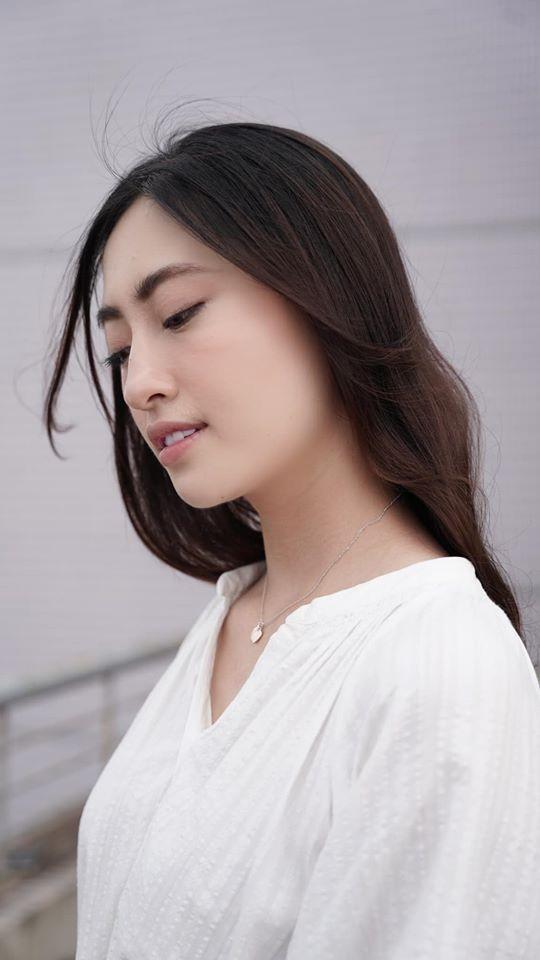 Mặc đồ bơi đơn giản, Lan Khuê vẫn làm fans 'phát sốt' với đường cong 'bỏng mắt' ảnh 6