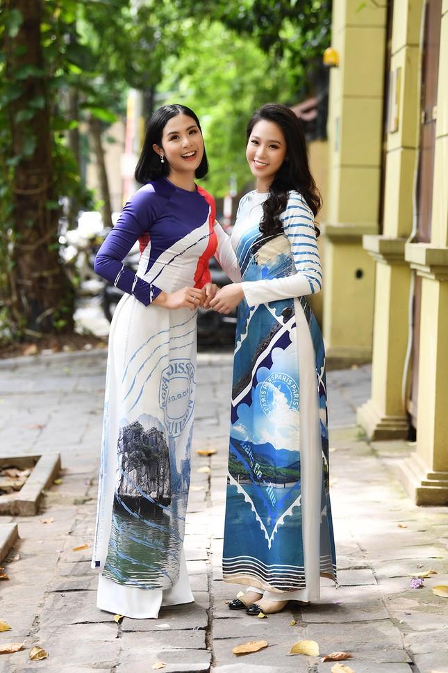 Ngọc Hân, Mỹ Linh và dàn người đẹp rạng rỡ khoe sắc với áo dài in hình biển đảo ảnh 10