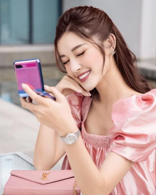 Hoa hậu Diễm Hương diện váy xẻ ngực sâu nóng bỏng ảnh 11