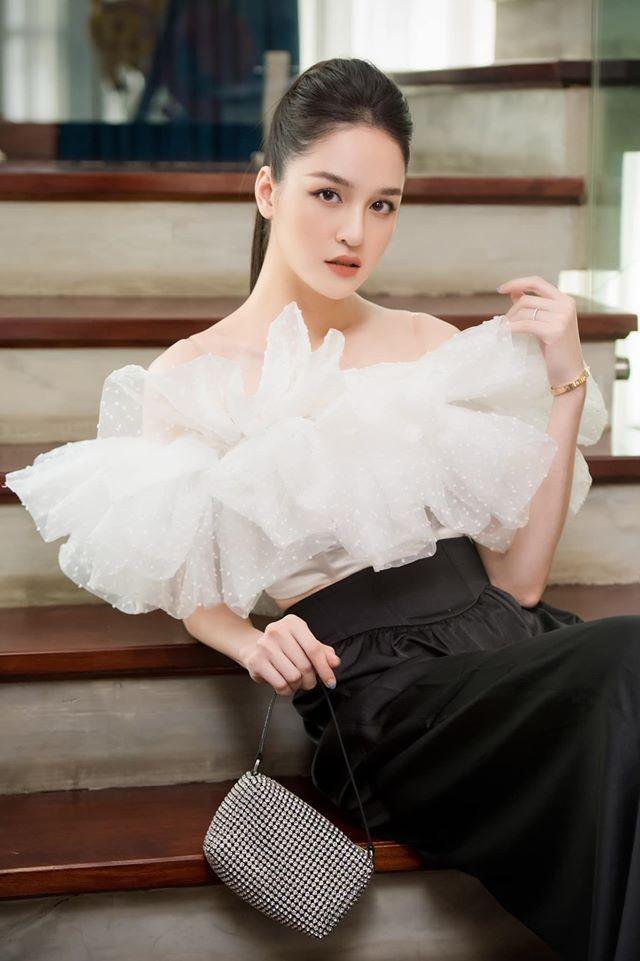 Mai Phương Thuý mặc váy cúp ngực sexy ảnh 7