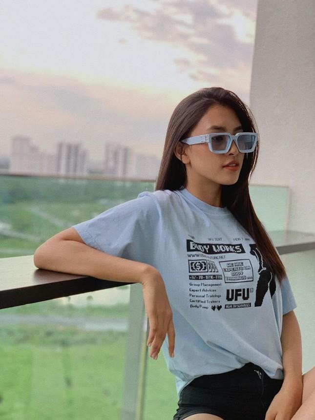 Hoa hậu Mỹ Linh liên tục tung ảnh bikini, khoe đường cong 'gây mê' ảnh 4