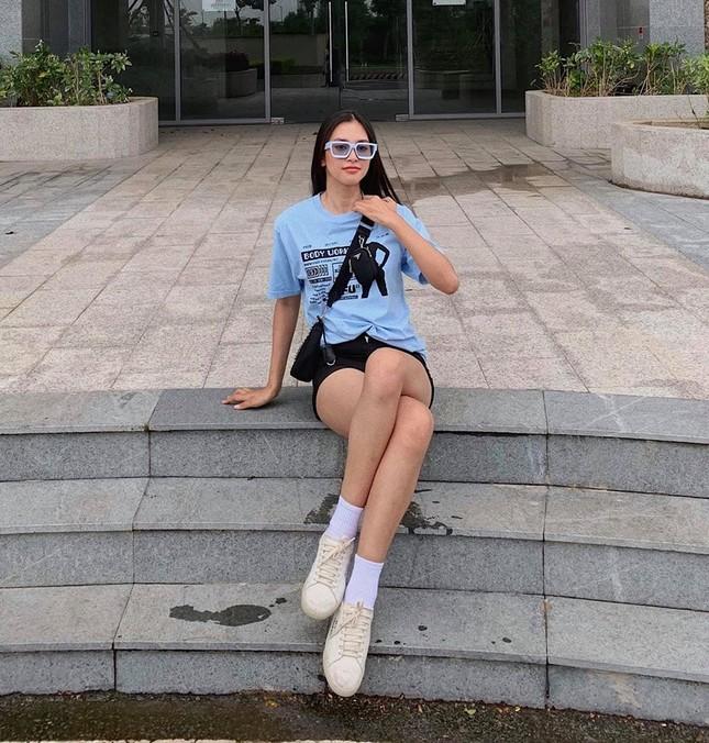 Hoa hậu Mỹ Linh liên tục tung ảnh bikini, khoe đường cong 'gây mê' ảnh 5