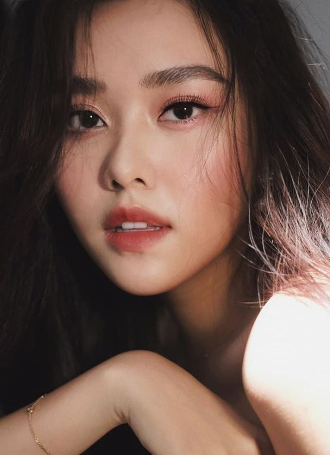 Hoa hậu Mỹ Linh liên tục tung ảnh bikini, khoe đường cong 'gây mê' ảnh 10