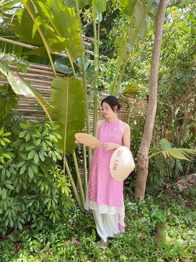 Hoa hậu Mỹ Linh liên tục tung ảnh bikini, khoe đường cong 'gây mê' ảnh 9