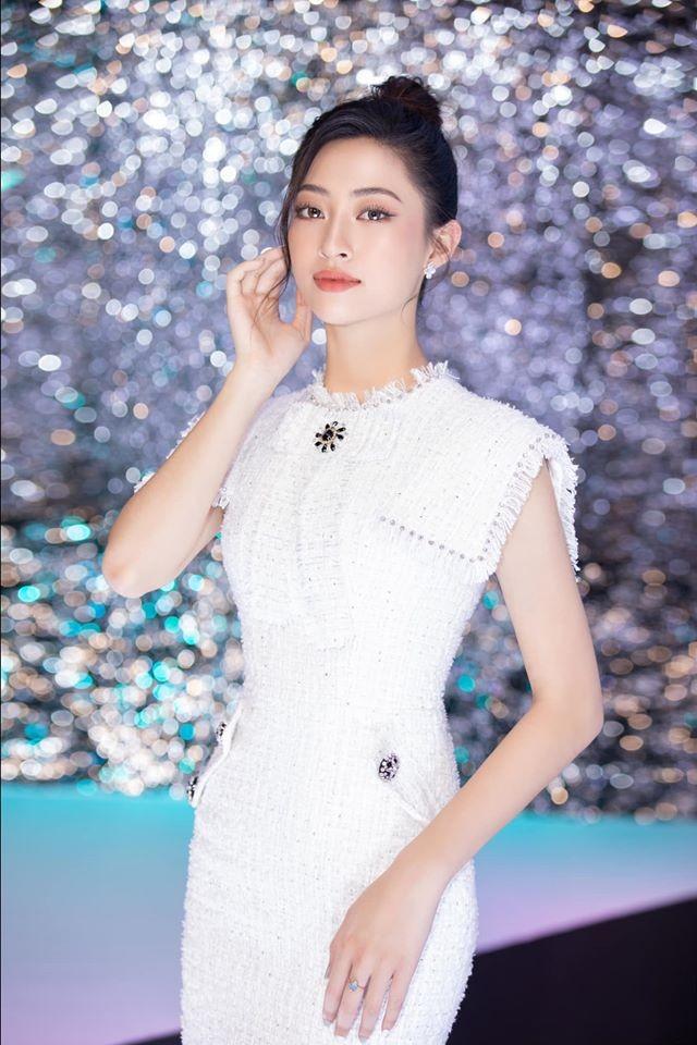 Tường San đẹp tựa 'thiên thần' với váy trắng tinh khiết, Diễm Hương nóng bỏng cùng áo tắm ảnh 4