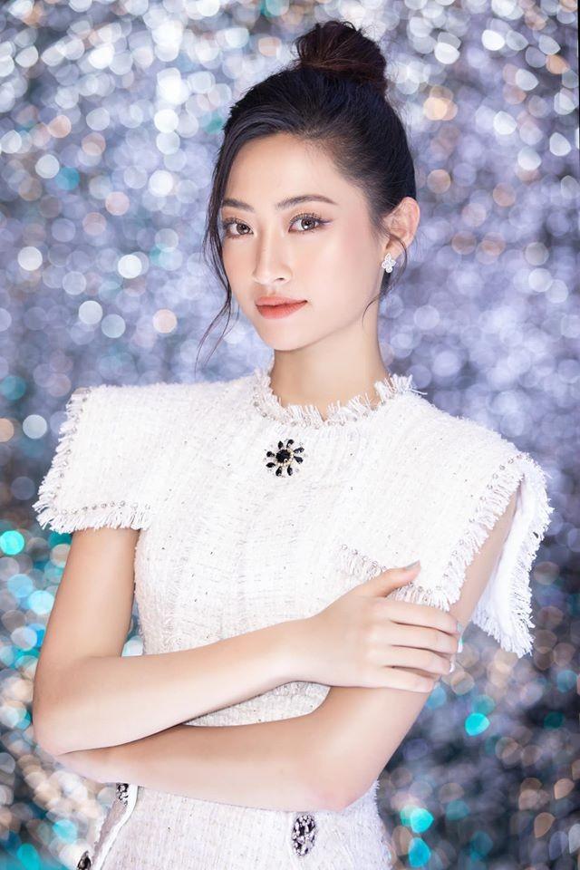 Tường San đẹp tựa 'thiên thần' với váy trắng tinh khiết, Diễm Hương nóng bỏng cùng áo tắm ảnh 5