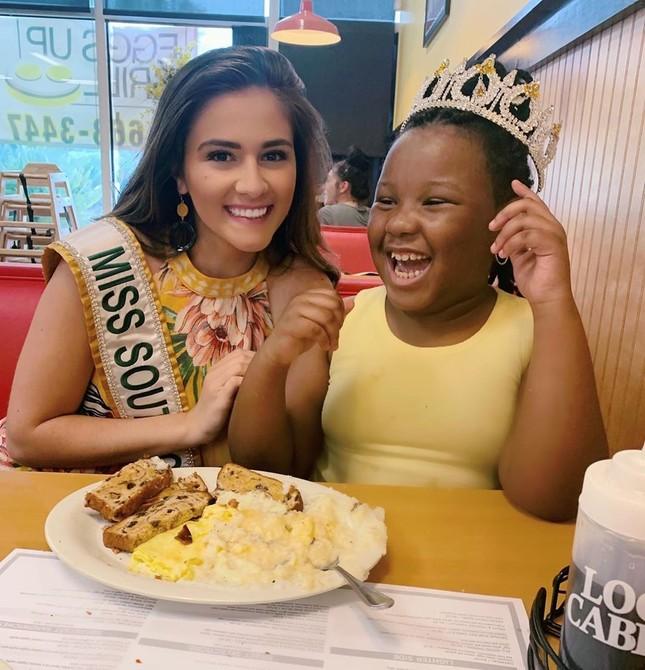 Ngắm đường cong sexy của người đẹp 19 tuổi đăng quang Hoa hậu Quốc tế Mỹ 2020 ảnh 7