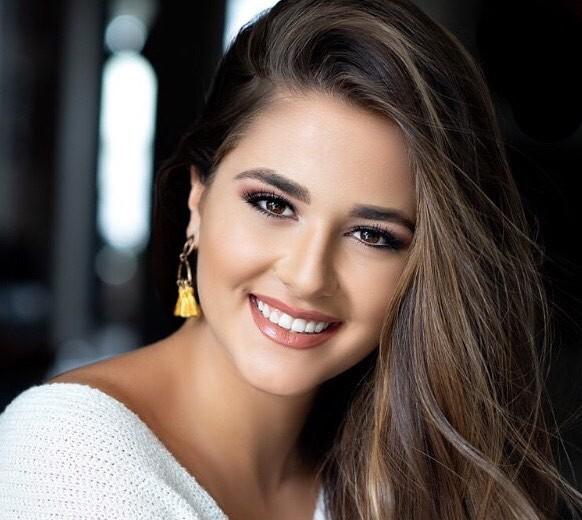 Ngắm đường cong sexy của người đẹp 19 tuổi đăng quang Hoa hậu Quốc tế Mỹ 2020 ảnh 3