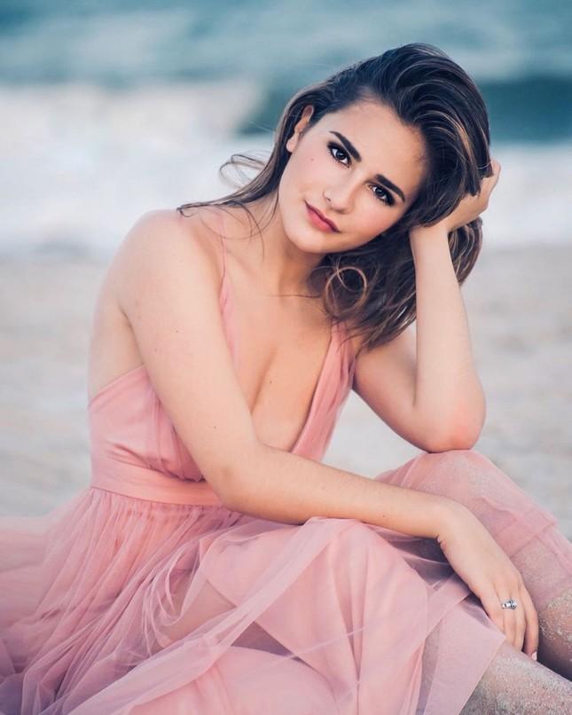 Ngắm đường cong sexy của người đẹp 19 tuổi đăng quang Hoa hậu Quốc tế Mỹ 2020 ảnh 5