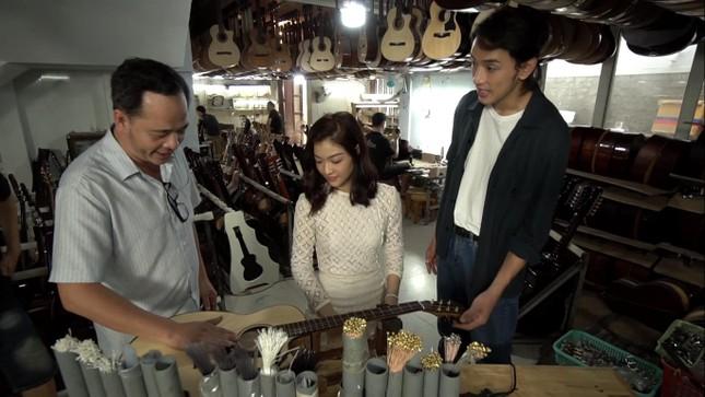 Á hậu Kiều Loan tái xuất làm MC, trổ tài ca hát bên 'trai đẹp' Thuận Nguyễn ảnh 9